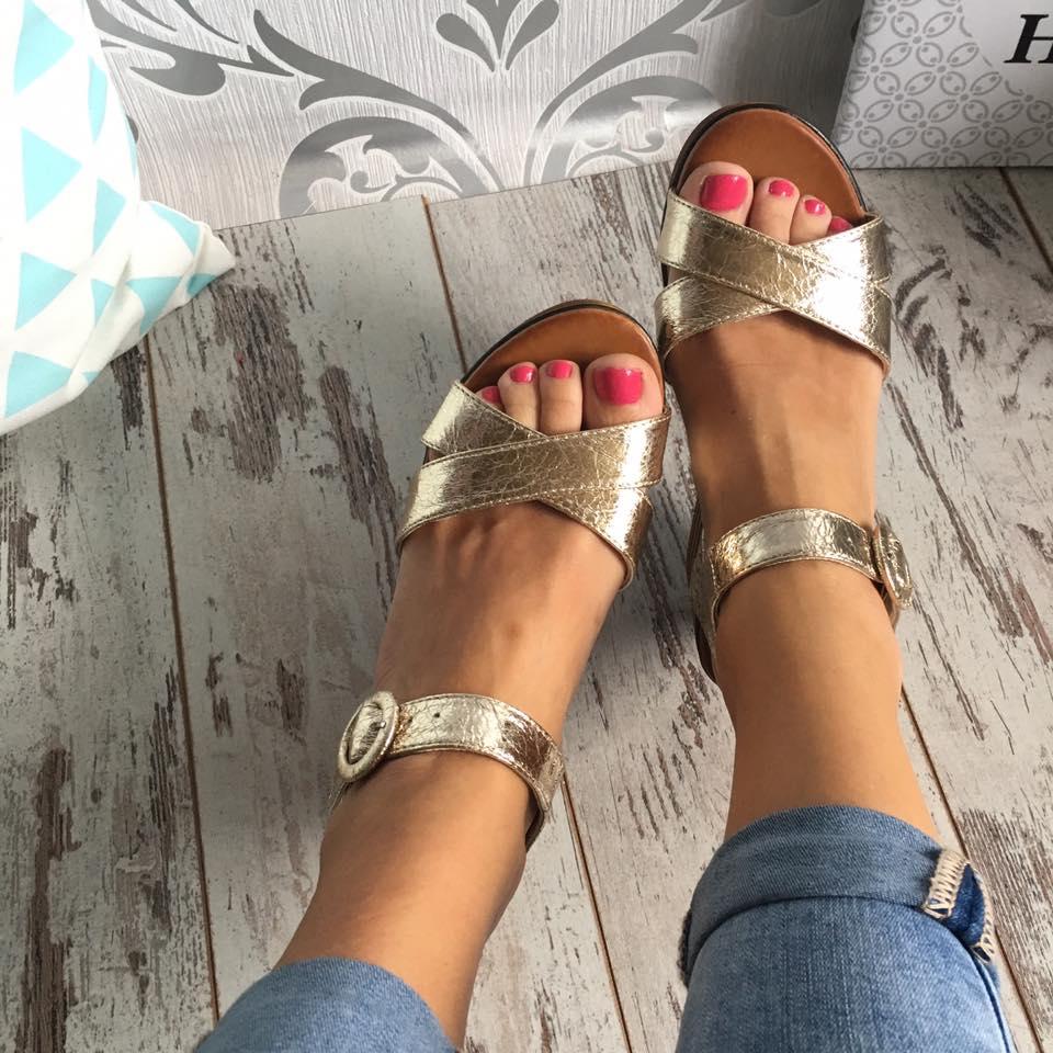 971fb40c08b Zlaté sandály na platformě